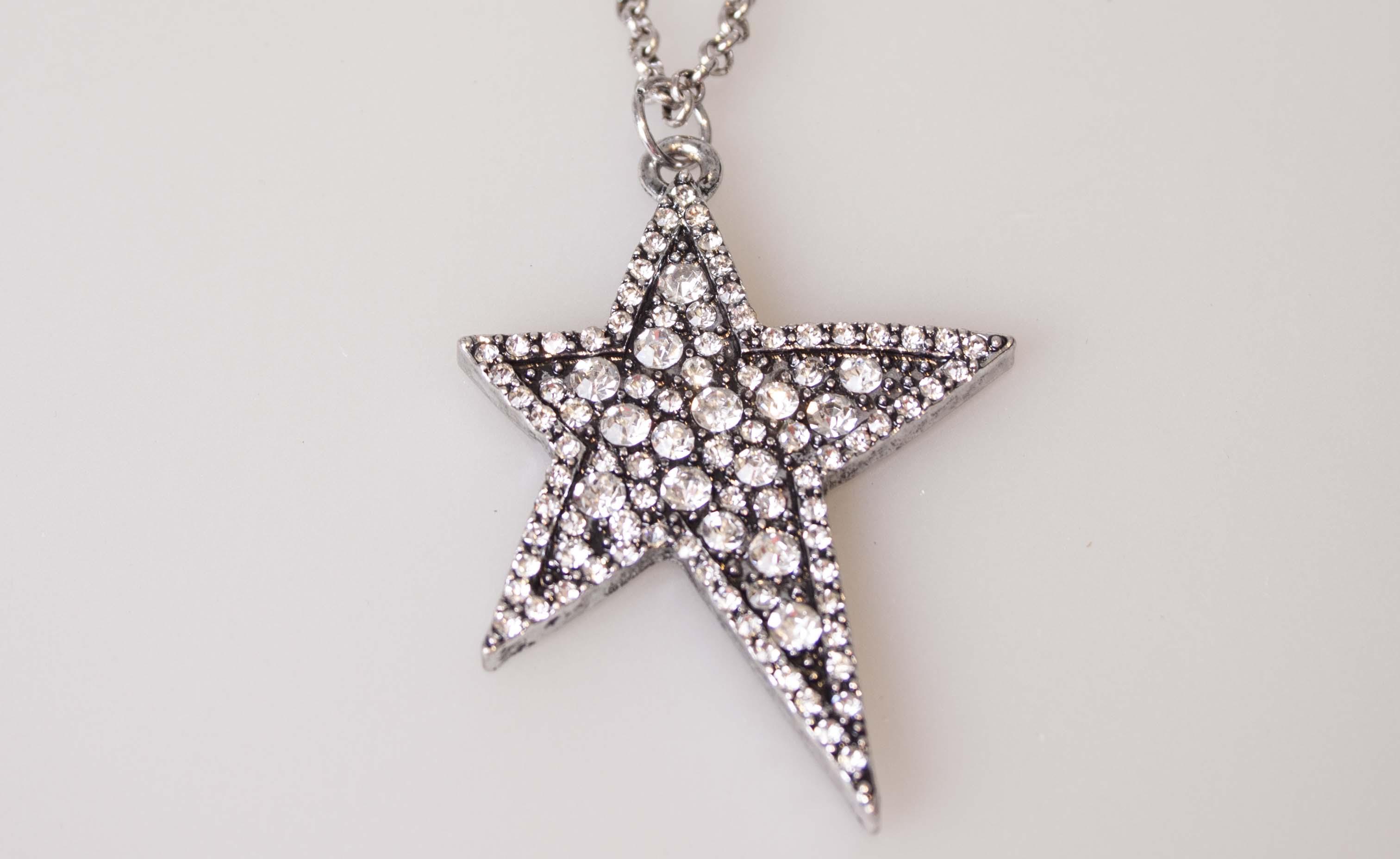 Passero halskæde med asymmetrisk stjerne