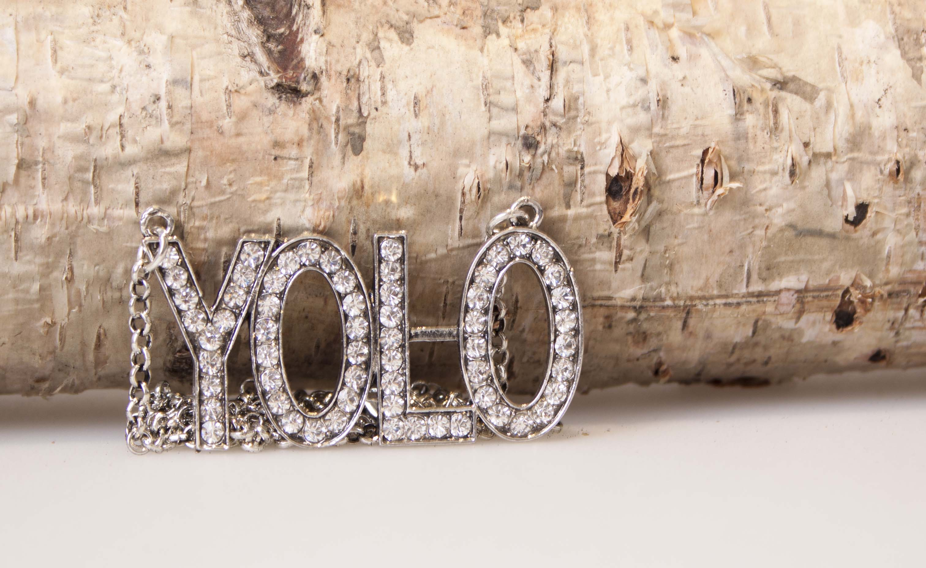 Passero YOLO halskæde