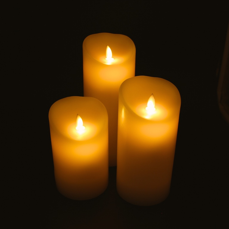 LED stearinlys med bevægelig flamme | 2 stk. Bloklys med timer - Køb Her