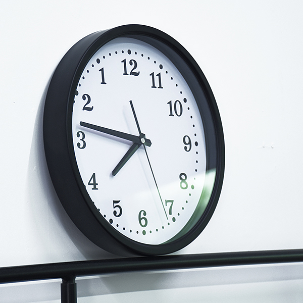 Image of Backward clock - Baglæns ur
