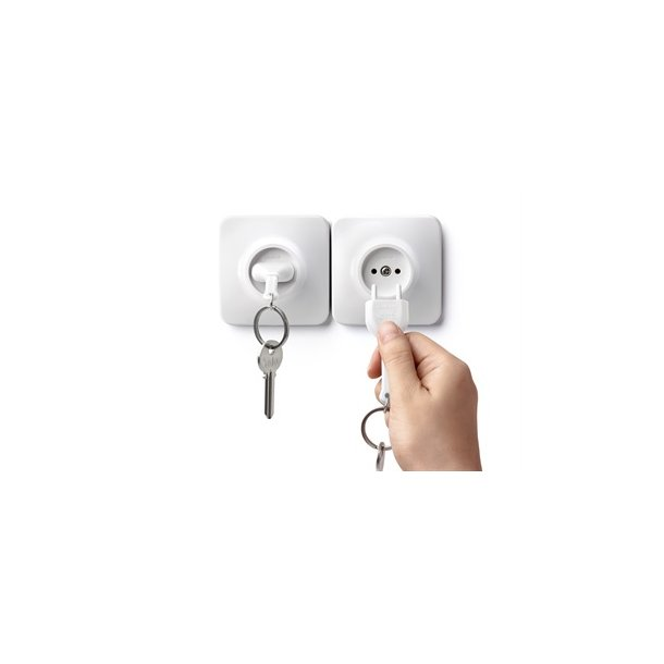 Qualy design Unplug Nyckelring (svart el. vit) - Qualy - Brandavenue 8373dca8a891f
